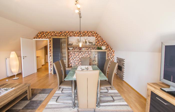 Wohnzimmer mit Esstisch Haus Hornisgrindeblick Ulm